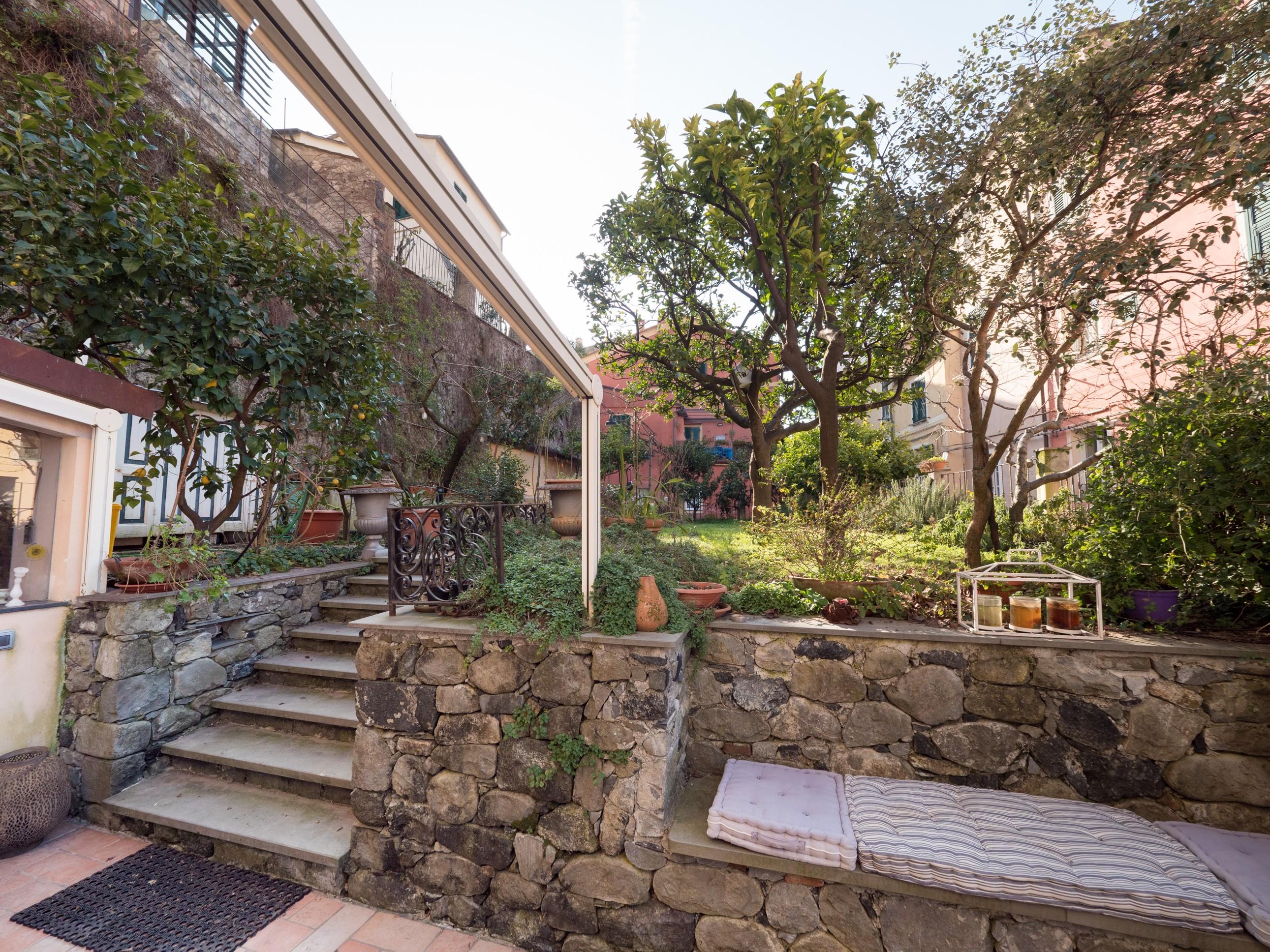 Appartamento di pregio con Terrazzo e Giardino