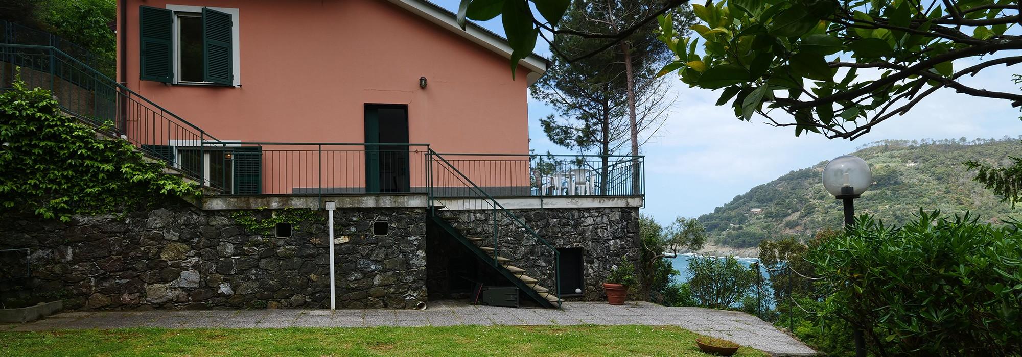 Porzione di Villa Bifamiliare