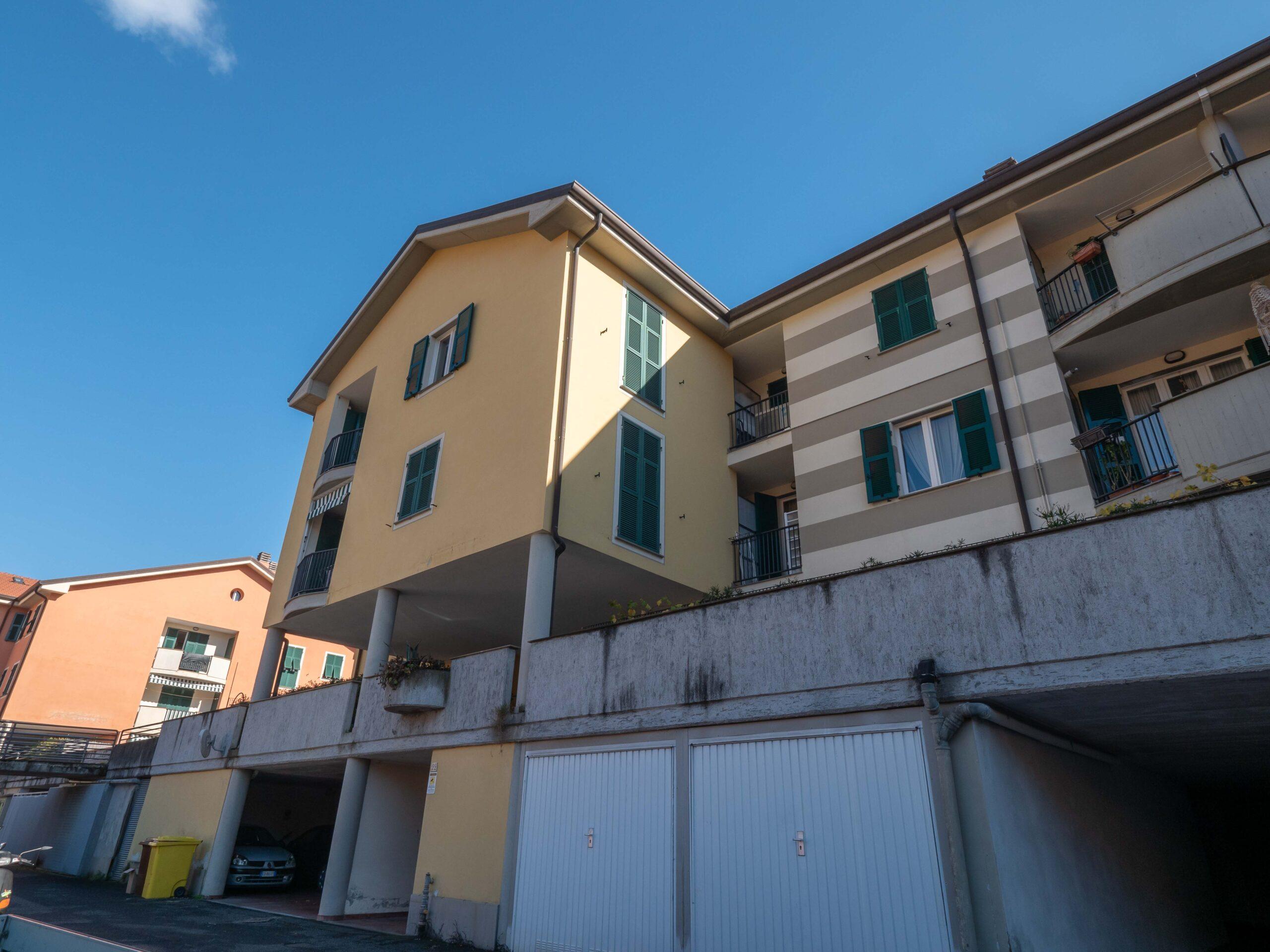 Posizione strategica appartamento con balcone, ascensore e Box auto